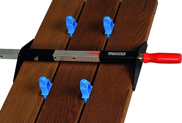 Serre-joints pour planches de terrasse