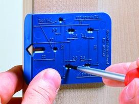 Ankörnlehre für Anschraub-Kreuzmontageplatten HETTICH