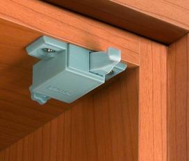 Sistema SALICE Push per porte di mobili senza maniglie