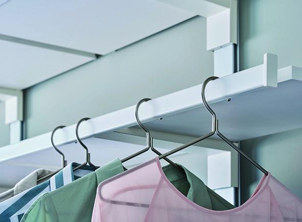 Support d'étagère avec tringle à vêtements intégrée PEKA Pecasa