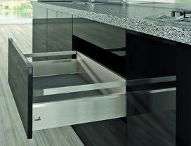 Kits complets tiroir à casseroles / tiroir intérieur à casseroles HETTICH ArciTech avec reling, inox-finish, hauteur châssis 94 mm, hauteur du système 186 mm