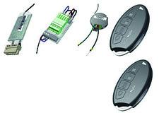 Jeu avec serrure électronique, télécommandes radio et bouton-poussoir radio