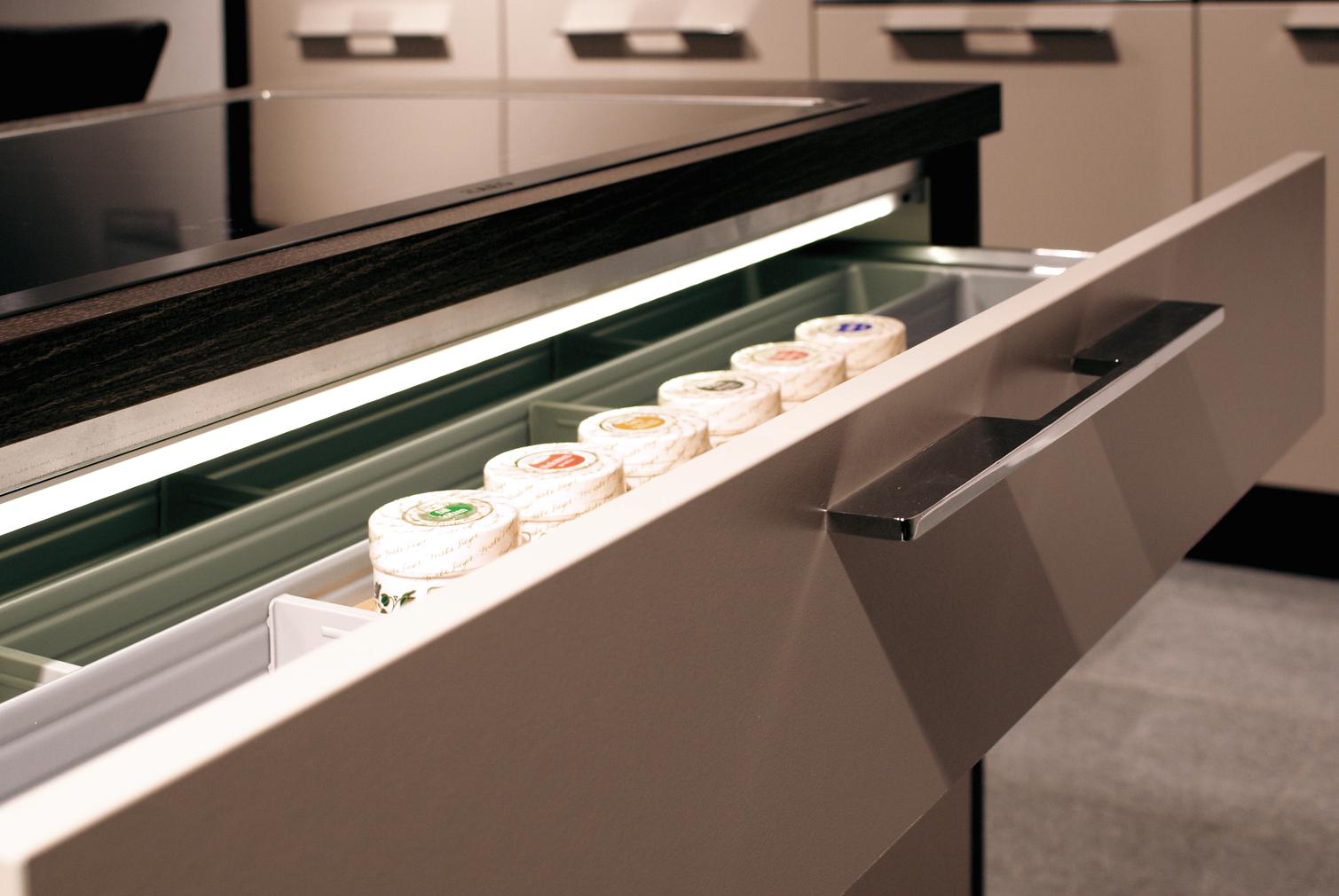 Eclaireage d'armoir LED L&S Detroit 12 V